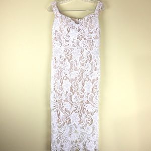 Missguided Lace Sweetheart Neckline Dress